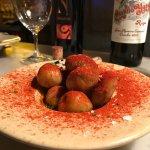 Patatas Bravas mit Rioja Rotwein