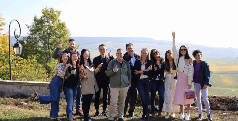 Mychampagne #Mychampagne Comite Champagne Dom Perignon Moet Chandon Laura JUNG, USA - @cityfoodie Leyla KAZIM, England - @thecutlerychronicles Diala CANEALO, Kanada - @dialaskitchen Björn BITTNER, Deutschland - @bjrlebouquet Luciano PIGNATARO, Italien - @luciano_pignataro Maya SAMUELSSON, Schweden - @maya_samuelsson Lisa TEH, Australien - @lisacouturing Ryuji SEKIHIRO, Japan - @pepe39 You JIN, Südkorea - @lady_uzine Bo HU, China - @traveling_cocohu Claudio POBLETE, Mexiko - @cmexicana Charlene LIU, Taiwan - @coindevanity
