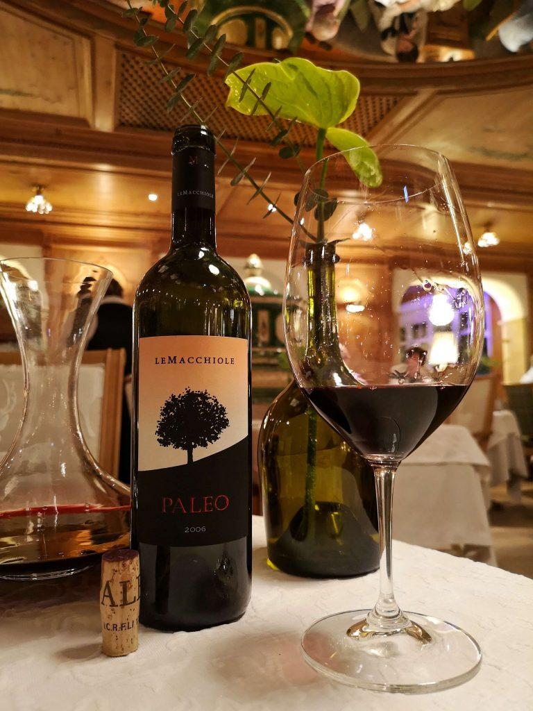 STOCK Weinwoche Zillertal Finkenberg Spa Wellness Wein Paleo Le Macchiole Cabernet Franc Weinglas Dekanter Decanter Tuscany Blogheri