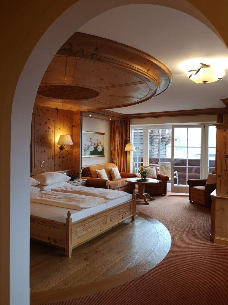 STOCK Weinwoche Zillertal Finkenberg Spa Wellness Wein Suite Zimmer Room