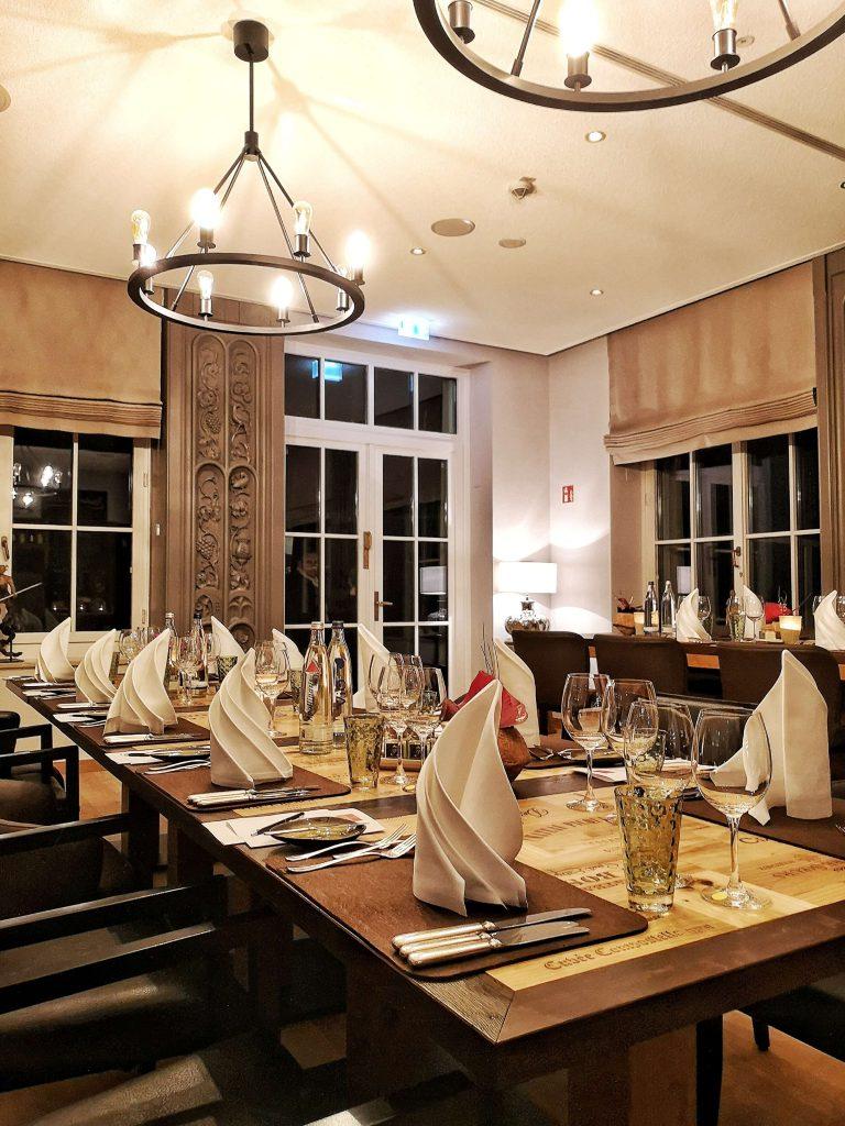 Big Bottle Steigenberger Grandhotel Petersberg Somm vs Blogger Ferdinands Wein Restaurant