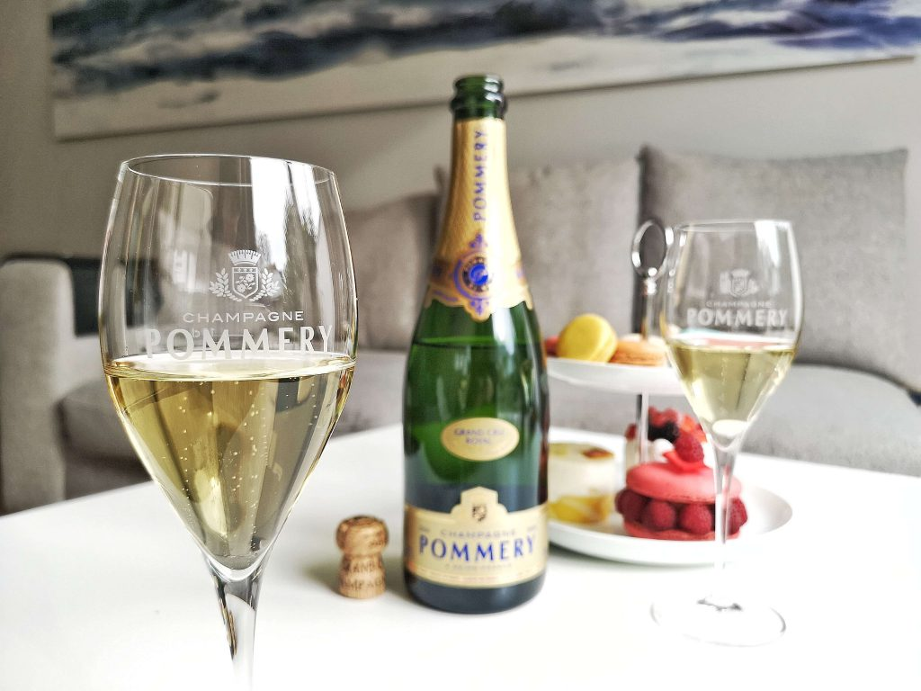 Pommery Grand Cru Royal Vintage 2006 Louise Reims Björn Bittner Weinglas Champagner Champagne